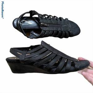 Aerosoles A2 Heelrest Yetaway Black Wedge Sandals
